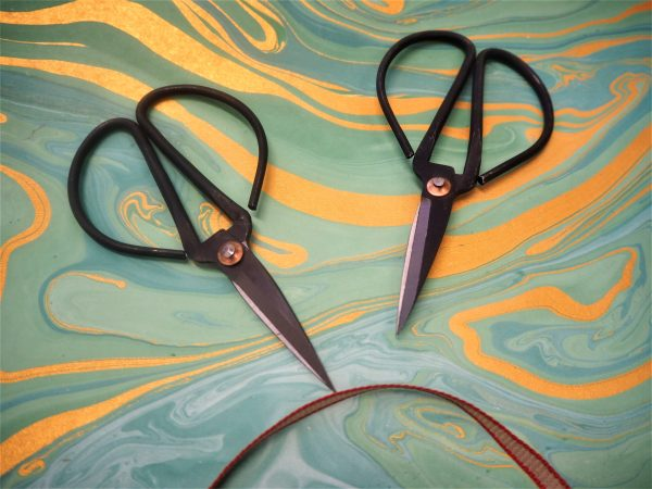 Round handled scissors by Hay